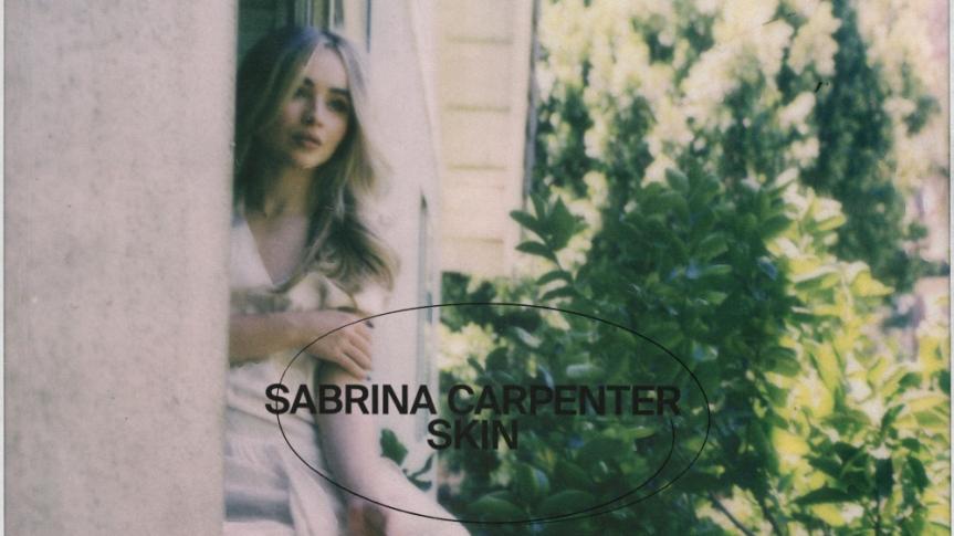 """Sabrina Carpenter inicia sua nova fase com """"Skin"""""""
