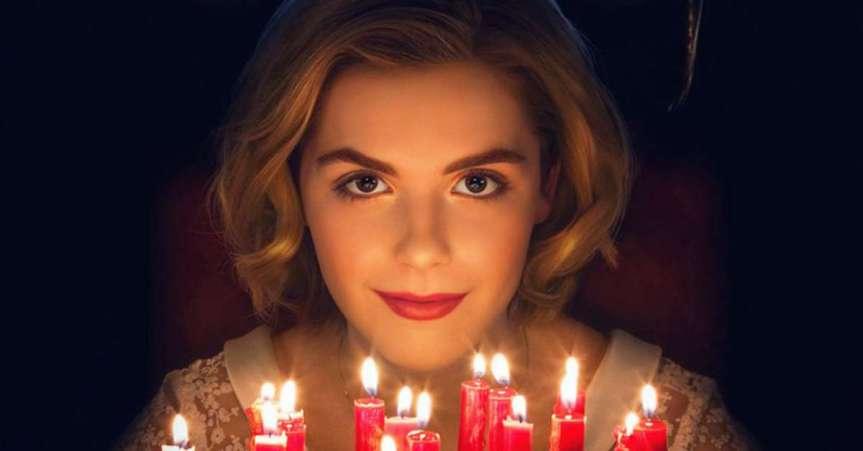 """Já está com saudade de """"O Mundo Sombrio de Sabrina""""? Netflix libera vídeo com erros de gravação dasérie"""